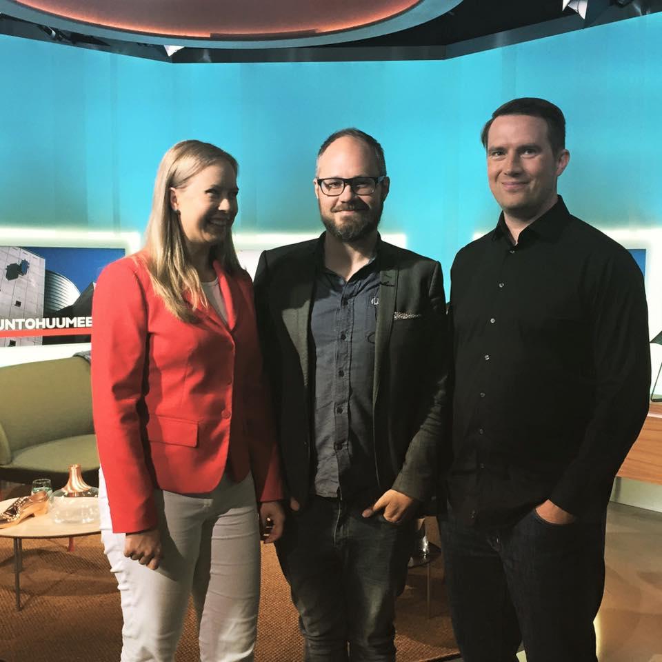 Elina Lappalainen ja Teemu Huuhtanen Tuomas Enbusken vieraana Huomenta Suomessa.